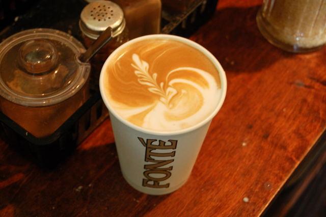 Joe Bar Coffee Art in Fonte Cup